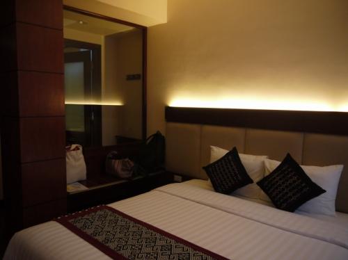 ハッピーホテル ベッド