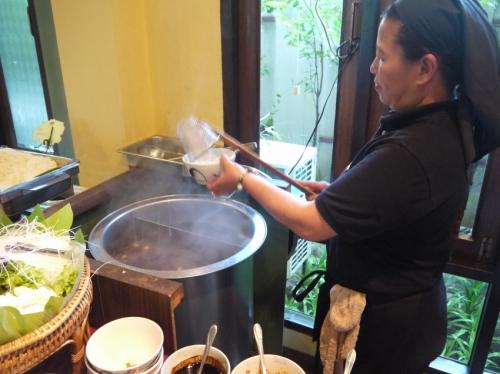 その場で麺作ってくれる。