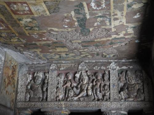 アジャンターの天井画と壁画