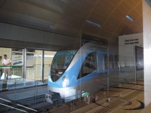 世界一の長さの無人運転鉄道