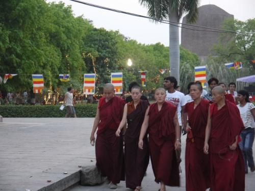 チベット僧院の尼さん