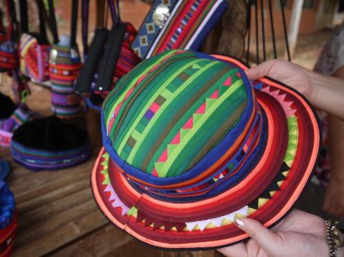 リス族の民芸品