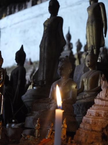 蝋燭と仏像